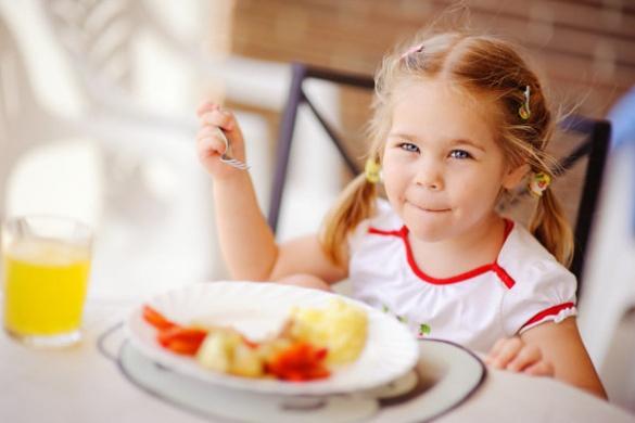 М'ясо, риба та фрукти: раціон черкаських дошкільнят збагатився