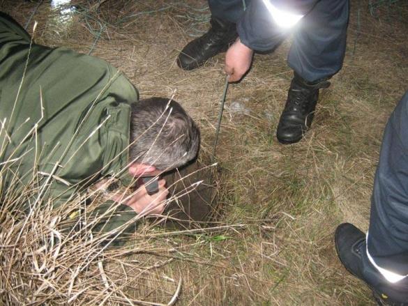 На Черкащині собака впала у десятиметрову яму