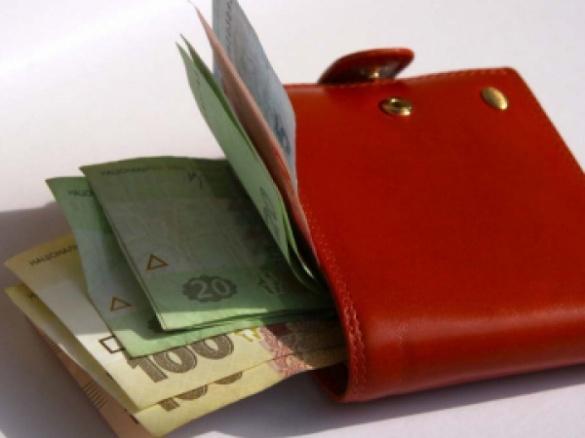 Чи продовжують вимагати у черкаських школах і садочках гроші із батьків?