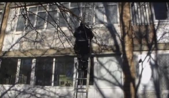 На Черкащині хлопчик випадково залишився зачиненим у квартирі