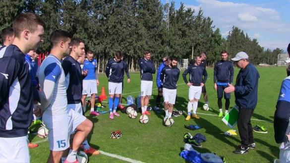 Черкаські футболісти показали фото із тренувань на Кіпрі