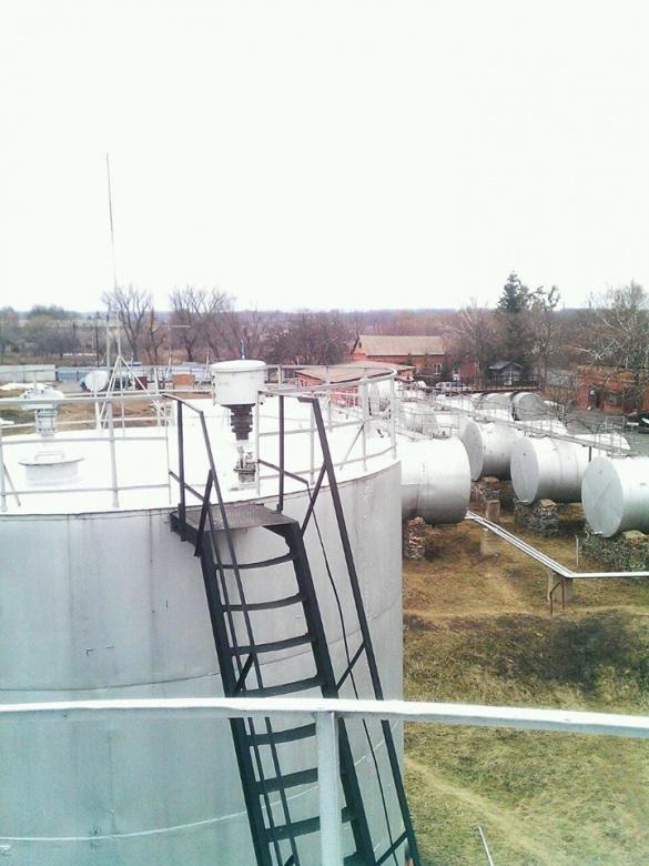 Фірму, яка незаконно виготовляла бензин, викрили на Черкащині