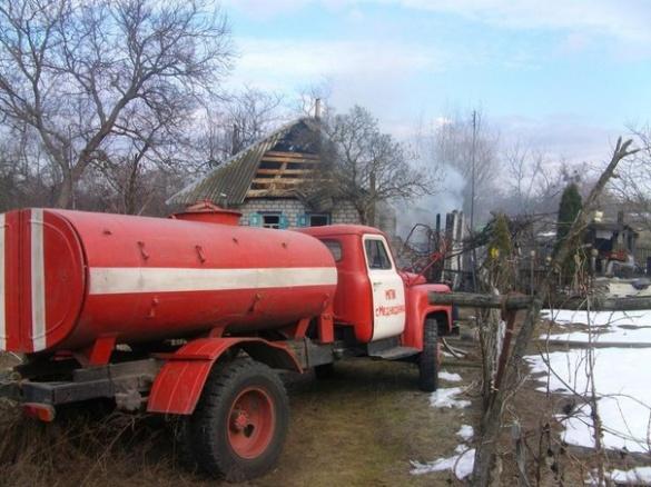 На пожежі у власному будинку мало не згорів черкащанин