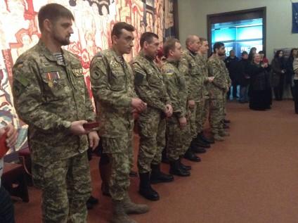 Черкаським бійцям вручили державні нагороди