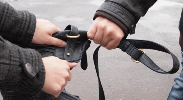 Грабіжника на черкаському вокзалі затримали перехожі