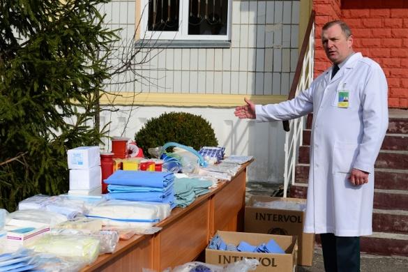 Українці з Америки передали на Черкащину важливу допомогу для прикордонників