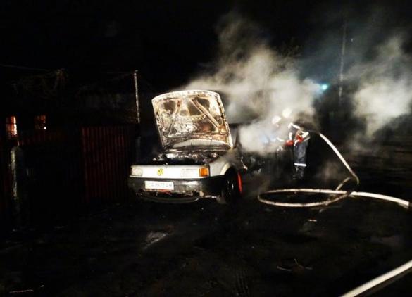 На Піонерській невідомі підпалили автомобіль