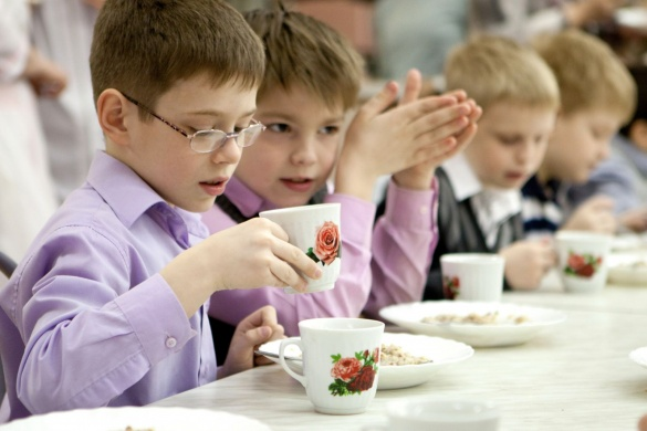Дітей із малозабезпечених родин у черкаських школах годуватимуть безкоштовно