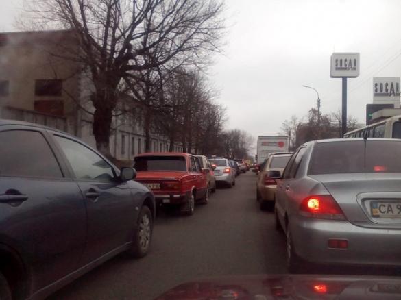 На одній з вулиць Черкас – ускладнений рух