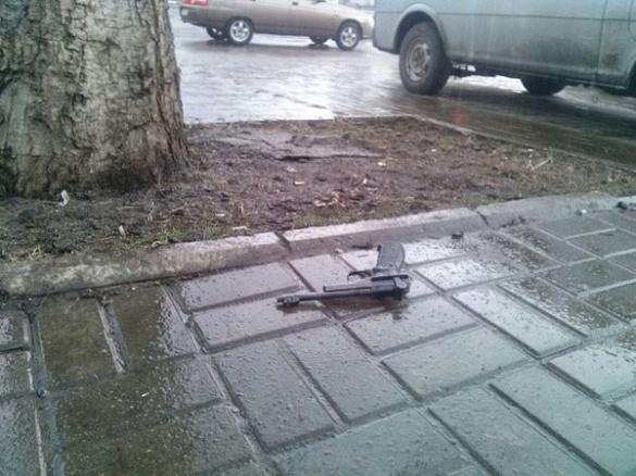 У середмісті Черкас знаходився чоловік зі зброєю