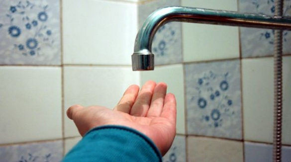 Мешканці черкаської багатоповерхівки вже десять днів не бачать гарячої води