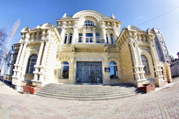Черкаська адмінбудівля – одна з кращих споруд України
