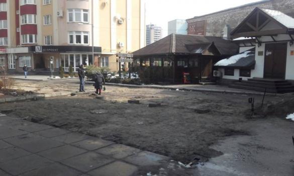 Черкаський підприємець відновить пошкоджений тротуар на Хрещатику