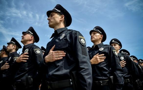 Біля черкаського ТРЦ поліція забрала у водія права (ВІДЕО)