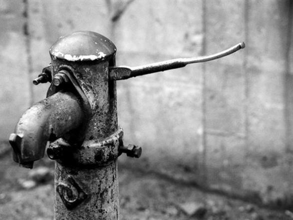 Жителі міста-привида роками не мають питної води