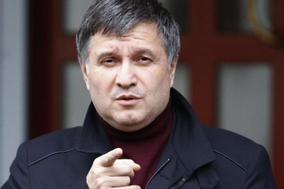 На прикладі черкаського поліцейського Аваков хоче