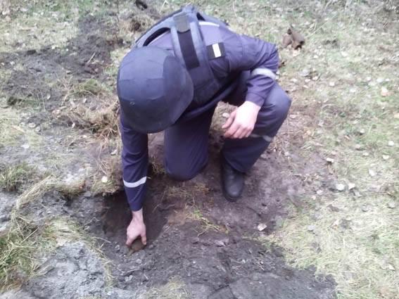 Неподалік Черкас підірвали вісім боєприпасів (ФОТО)