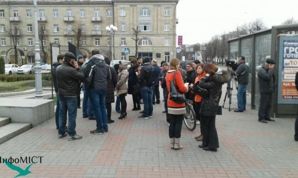 Другий мітинг у Черкасах в підтримку Пустовара пройшов без ажіотажу (ФОТО)