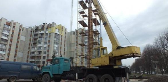 Будівництво меморіалу Героям Небесної Сотні в Черкасах у розпалі