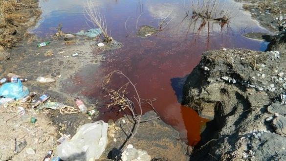 На Черкащині селяни потерпають від отруйних відходів зі стихійного звалища