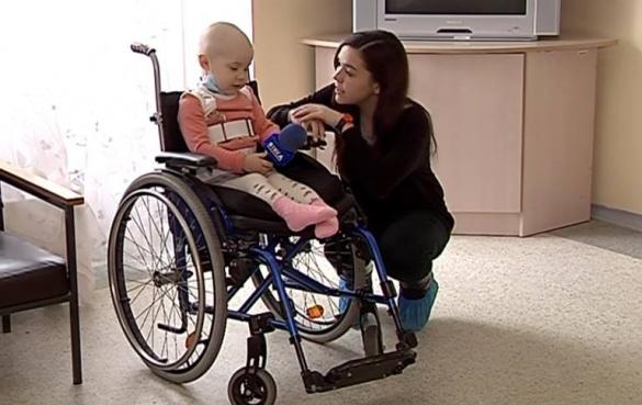 Маленька дівчинка просить черкащан допомогти у її лікуванні