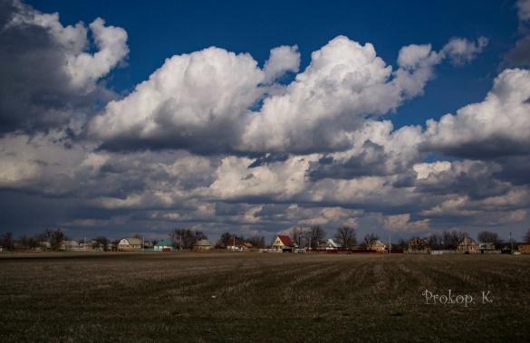 Черкаський фотограф зумів закарбувати небо перед грозою (ФОТО)