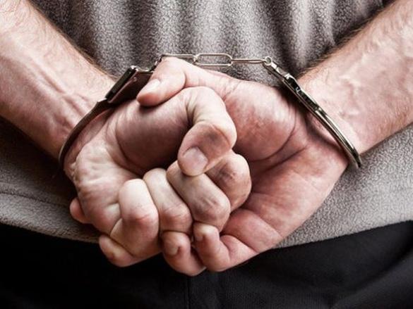 На Черкащині грабіжник поцупив автомагнітолу на очах у власника