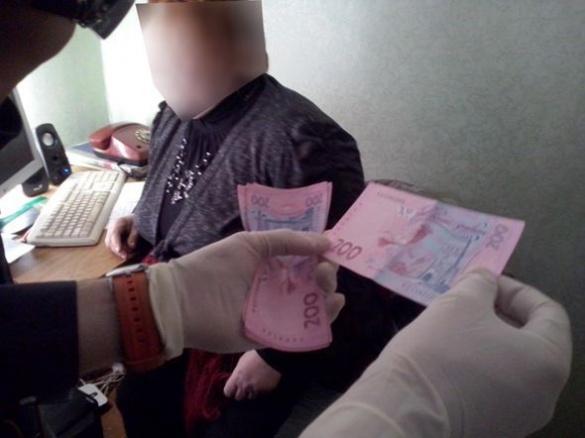З хабарем спіймали ще одного чиновника Черкащини