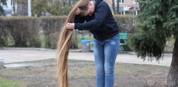 Черкащанка встановила рекорд України із довжини волосся