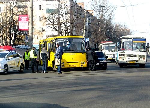 У Черкасах сталася чергова ДТП за участі маршрутки