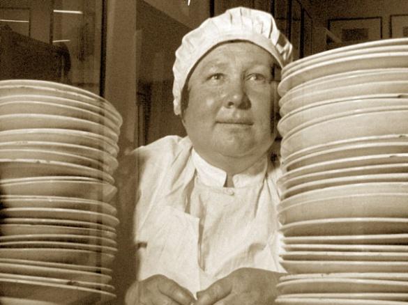 Черкаський журналіст пригадав запах котлети, хлорки і атомних парфумів в радянській їдальні