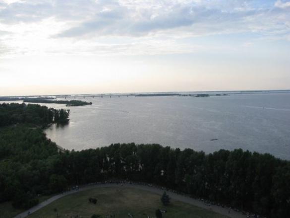 Неймовірні краєвиди черкаських берегів показали в мережі (ВІДЕО)