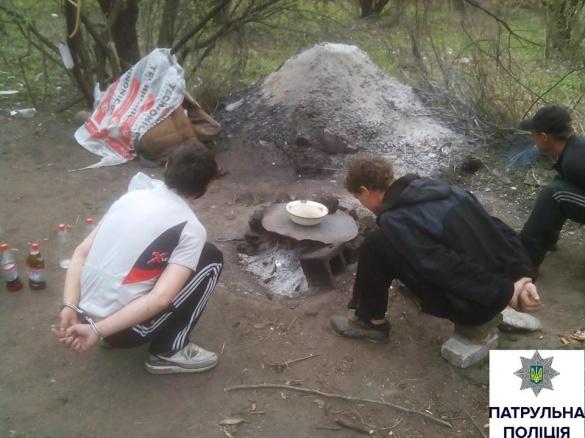 Черкаські патрульні очистили парк від наркоманів