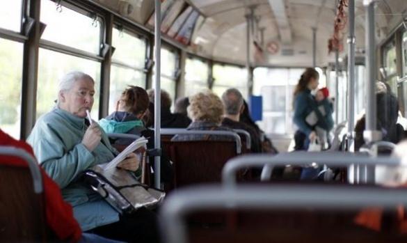 Мер Черкас хоче зробити безкоштовний проїзд для школярів, студентів та вагітних жінок