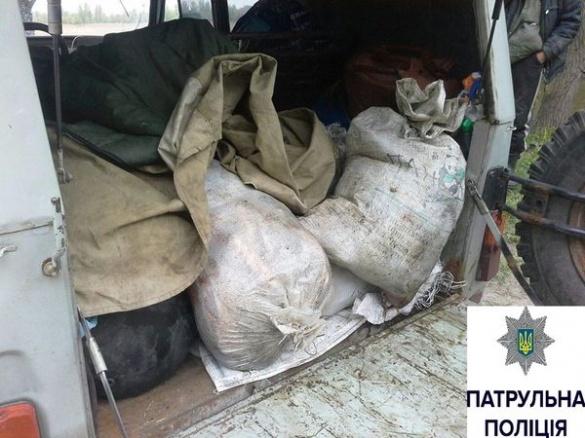У Черкасах патрульні упіймали чоловіка, який незаконно наловив риби на 54 тисячі