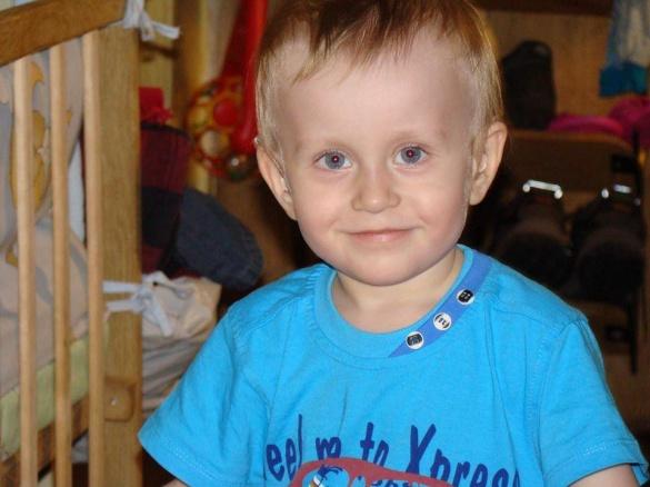 Родина трирічного Володі з Черкащини просить врятувати сина від глухоти