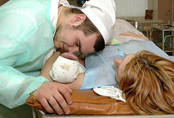 Черкаський лікар переконаний, що в Україні легше стати батьками, ніж в США