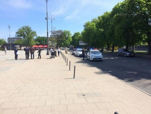 Поліція огородила середмістя Черкас через підозрілу знахідку (ФОТО)