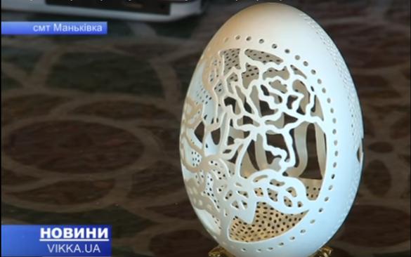 Черкащанка робить зі звичайних яєць справжні шедеври