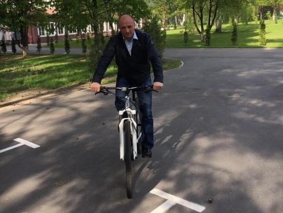 Мер Черкас знову сів на велосипед (фотофакт)