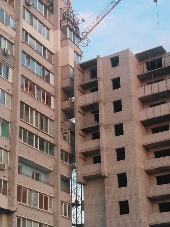 Черкаську багатоповерхівку будували Равшан і Джамшут (фотофакт)
