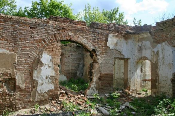 Активісти показали жахливий стан колишньої садиби шляхтичів на Черкащині (ФОТО)