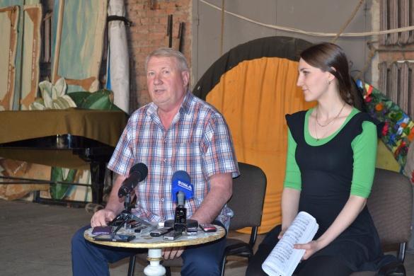 Актори черкаського драмтеатру готуються до прем'єри