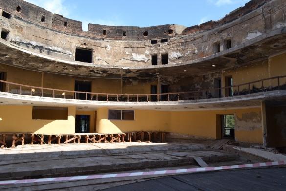 У черкаському театрі сподіваються, що накриття буде до зими