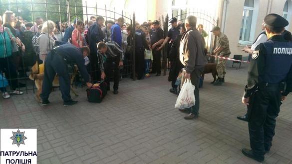 Патрульні затримали підозрюваного чоловіка у замінуванні черкаських вокзалів
