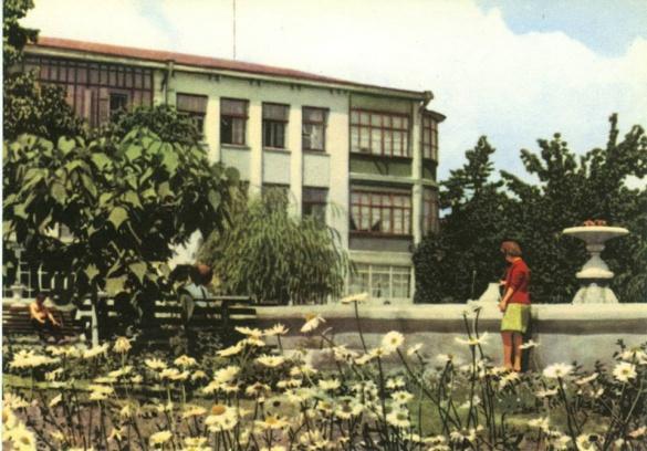 Якими були Черкаси на кольорових ретро-листівках (ФОТО)