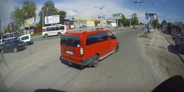 Камера черкаського тролейбуса