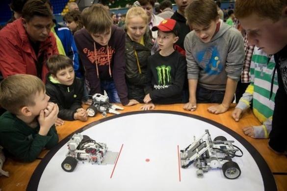 Юні черкащани стали призерами всеукраїнської олімпіади роботів