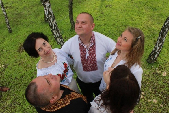 Черкащани у мережі показали, як відзначають День вишиванки (ФОТО)
