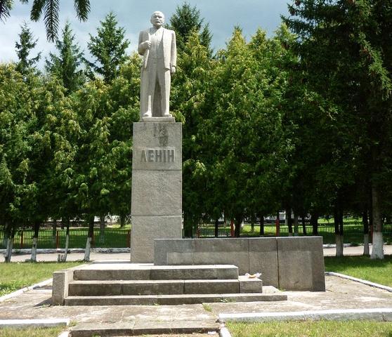 На місці останнього Леніна на Черкащині встановлять пам'ятник Шевченку